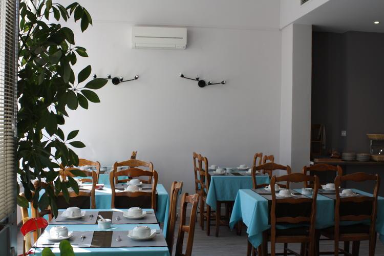 Logis Hotel du Midi Salon-de-Provence downtown
